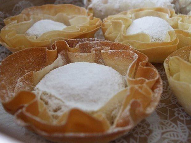 Pasteis de Santa Clara Convento Coimbra | Portuguese recipes, Food, Food  drink