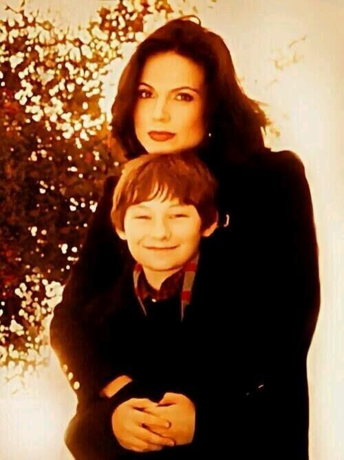 Reminder that Lana fought for the relationship between Henry and Regina