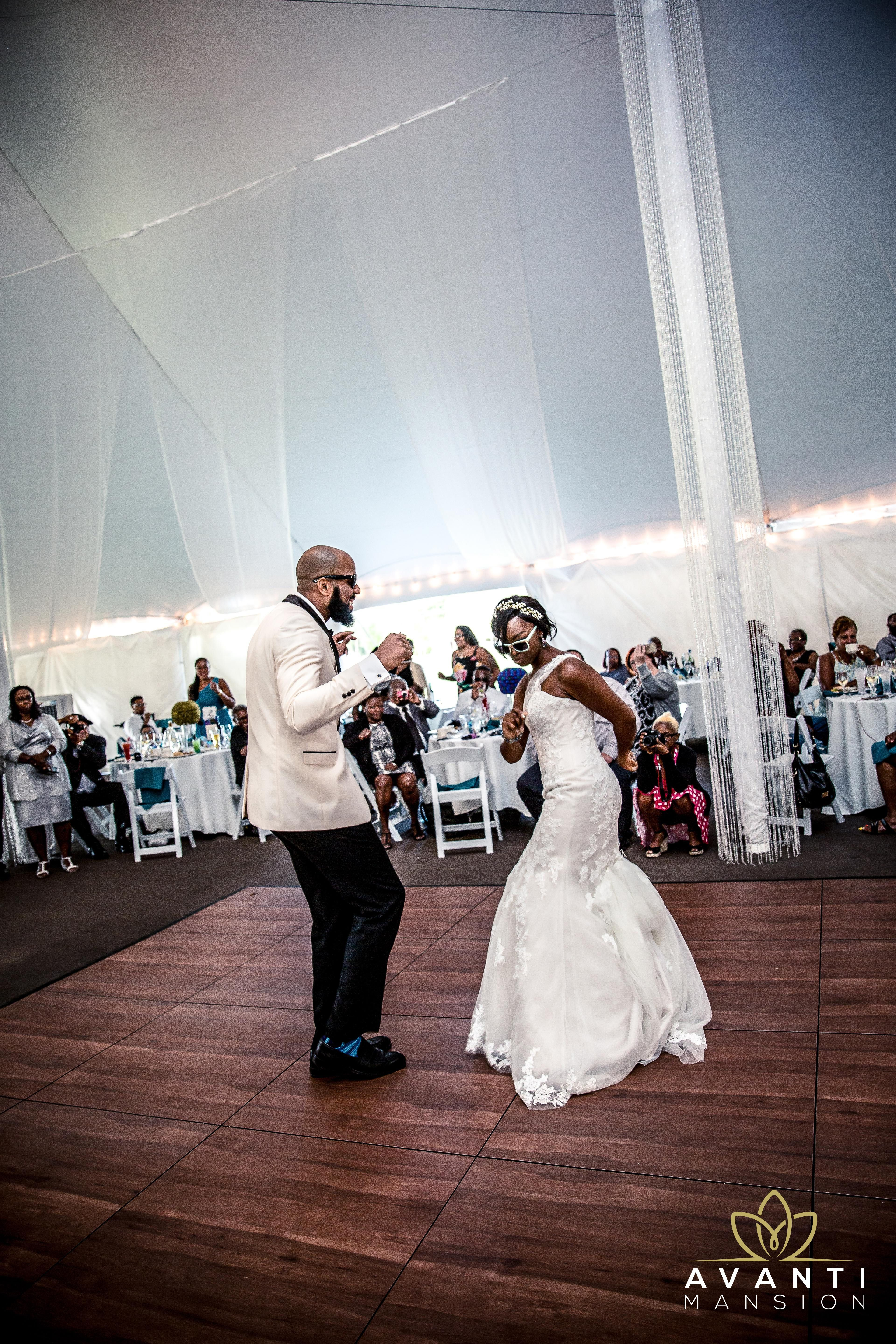 We Love Being Part Of A Fun And Exciting Wedding Party Especially When It S Got The Newly Weds Closing Down Dance Floor