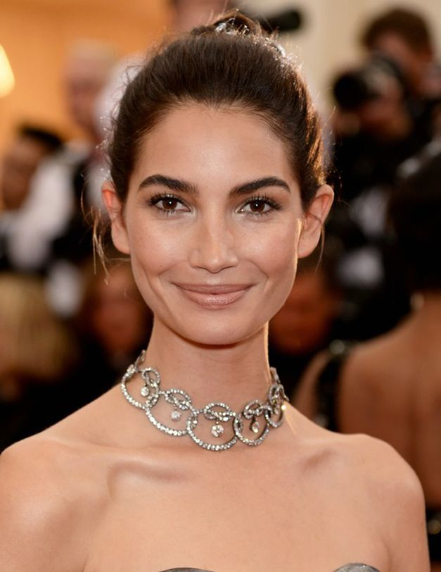 Lily Aldridge in neutral lips and choker #collar #necklace at #MetGala2014 #jewelry #ss2014