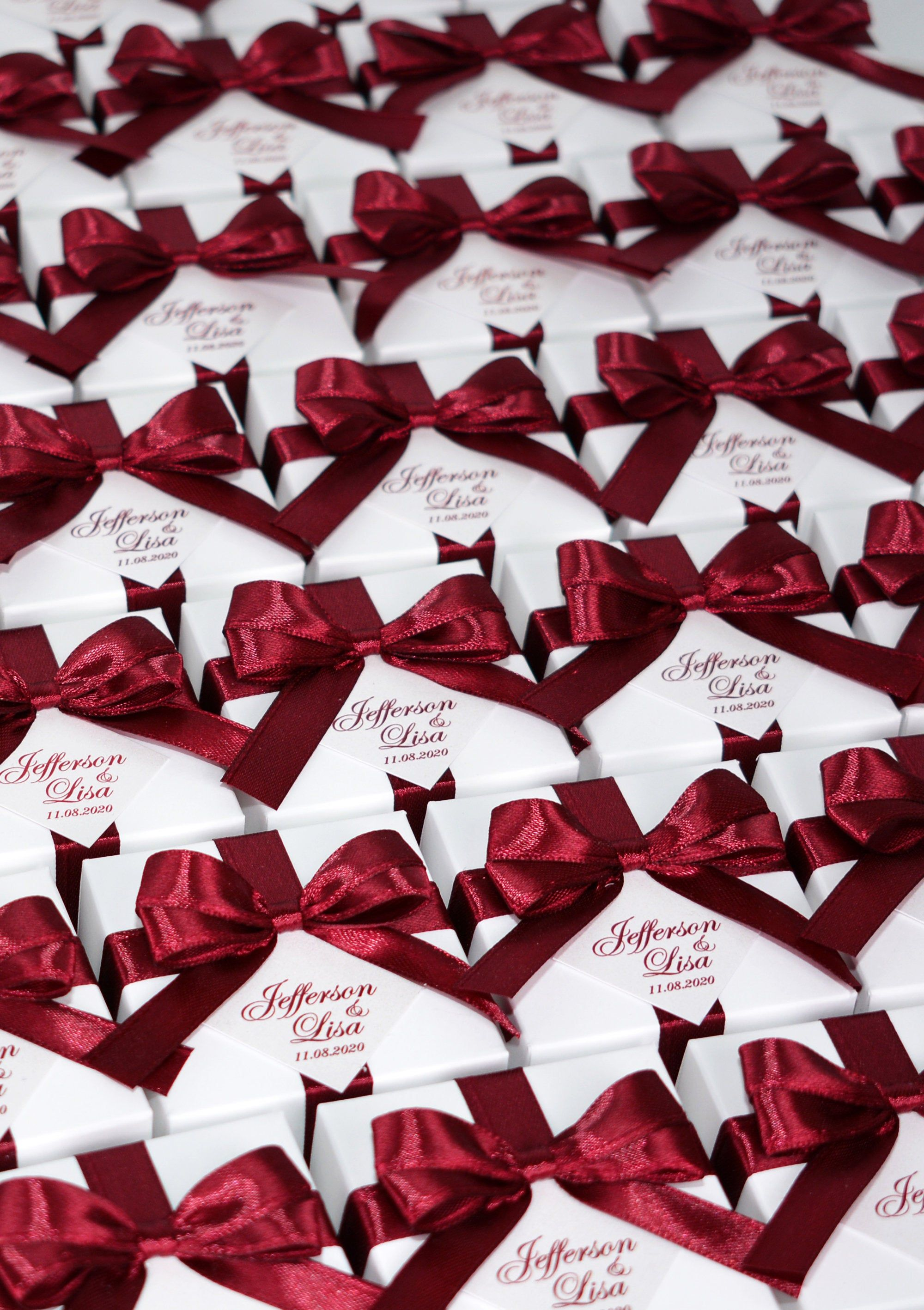 Elegant Wedding Bonbonniere Wedding Favor Boxes With Wine Burgundy Satin Ribbon Bow And Personalized Tag Custom Candy Box For Party Guests In 2020 Wedding Favor Boxes Wedding Candy Boxes Candy Wedding Favors