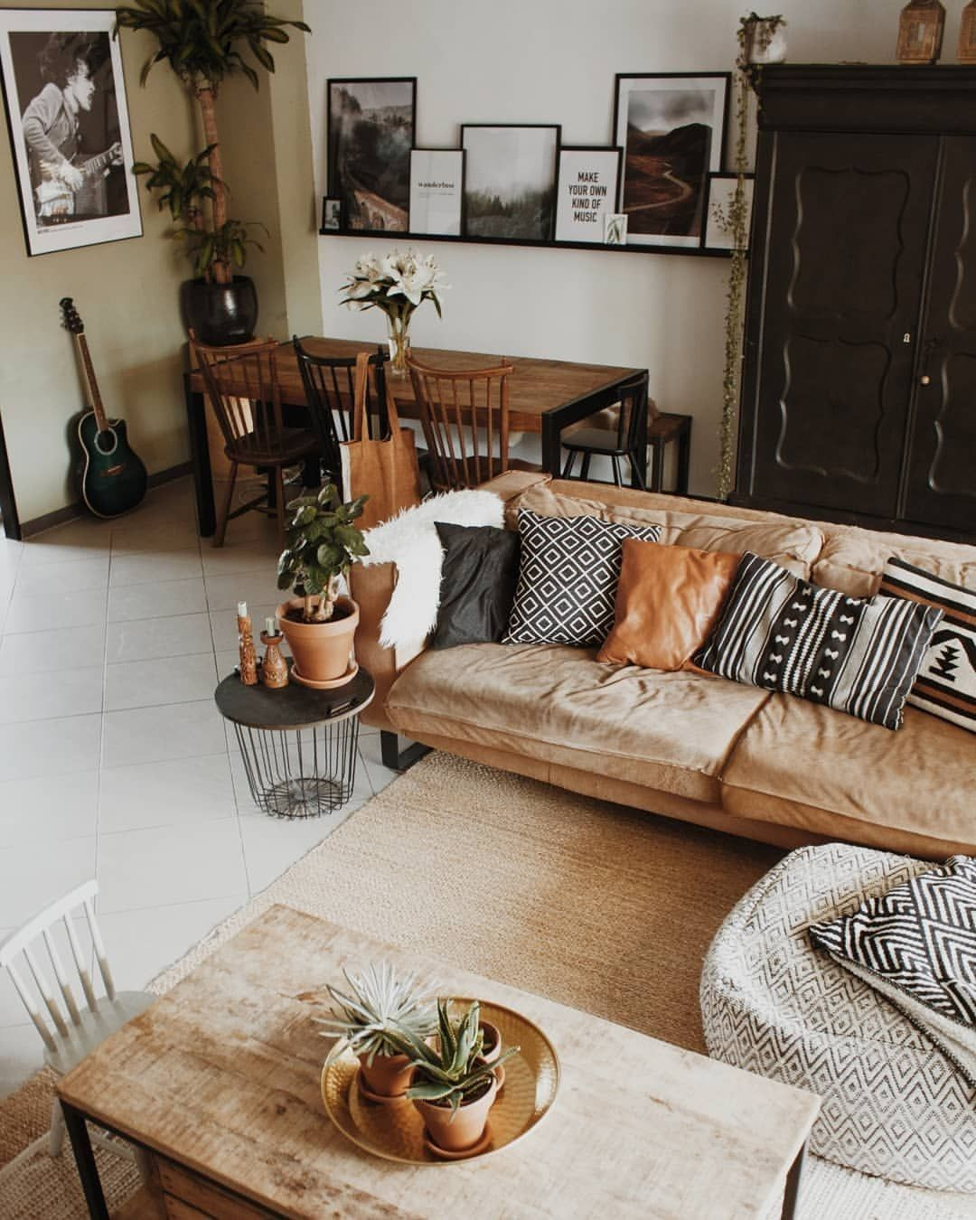 30 Clever Ways To Decorate Your Living Room With Hipster Ideas Cozy Apartment Decor Apartment Decor Living Room Designs