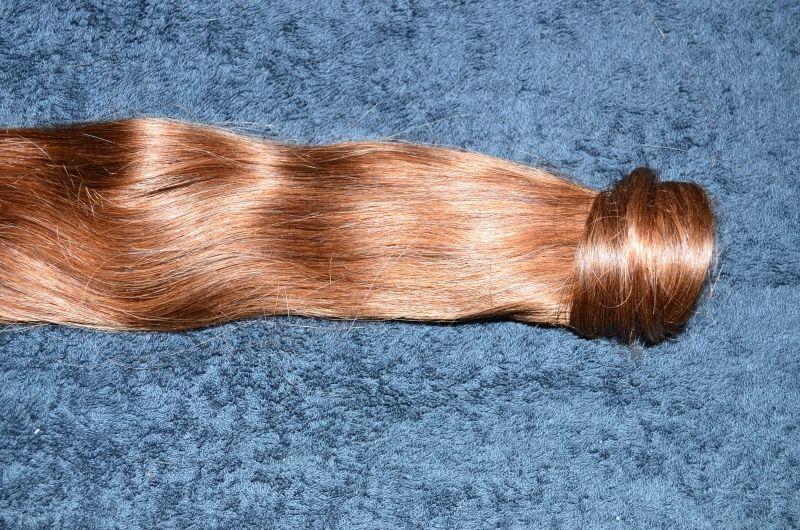 #Location d'extensions sous forme de queue de cheval, pour un effet garantie de longueur et d'épaisseurs en un clin d'œil. Extensions en cheveux naturels de longueur 46 cm. Cheveux européen, de très bonne qualité.Fixation à l'aide d'un peigne dentelle, à enroulé autour d'une attache sur vos cheveux. Vous pouvez choisir la couleur, couleur uni ou méchés. N'hésitez pas à me poser vos questions. Disponible exclusivement sur www.placedelaloc.com #consocollbab #bienetre