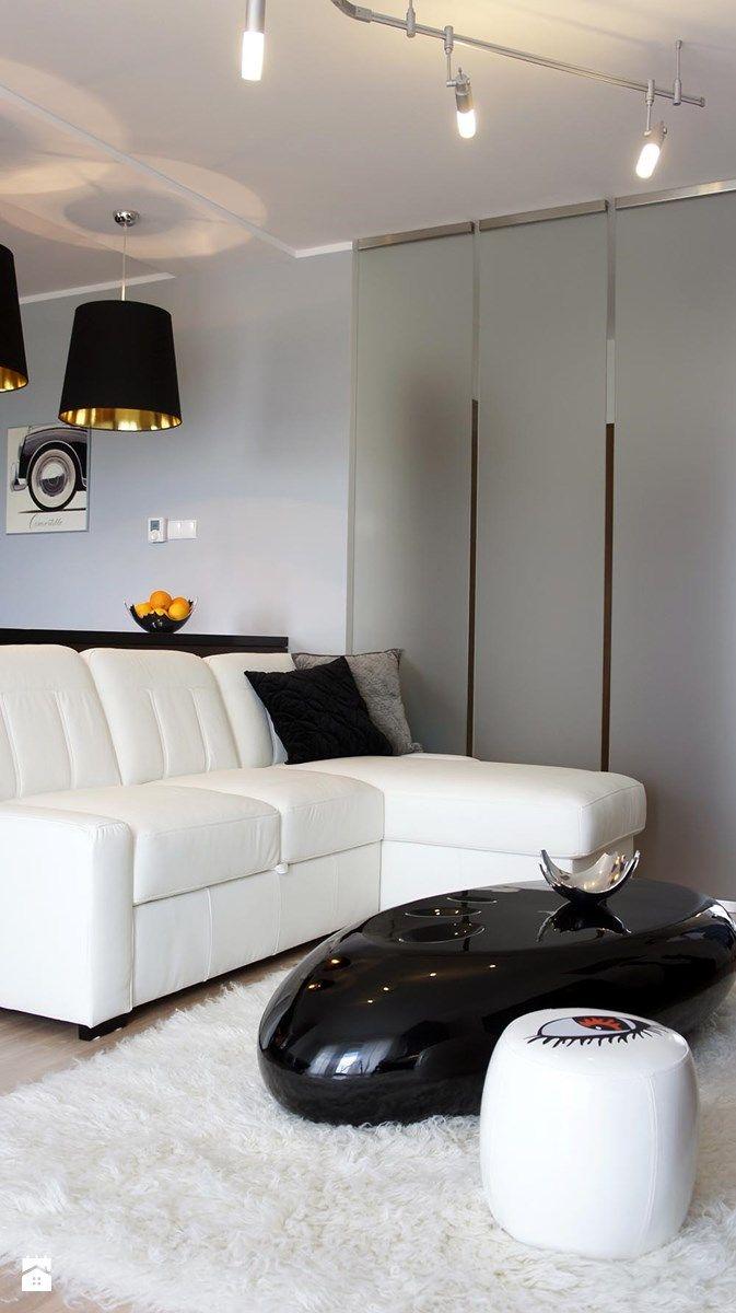 Mała kawalerka z... dużą przestrzenią - Salon, styl nowoczesny ...