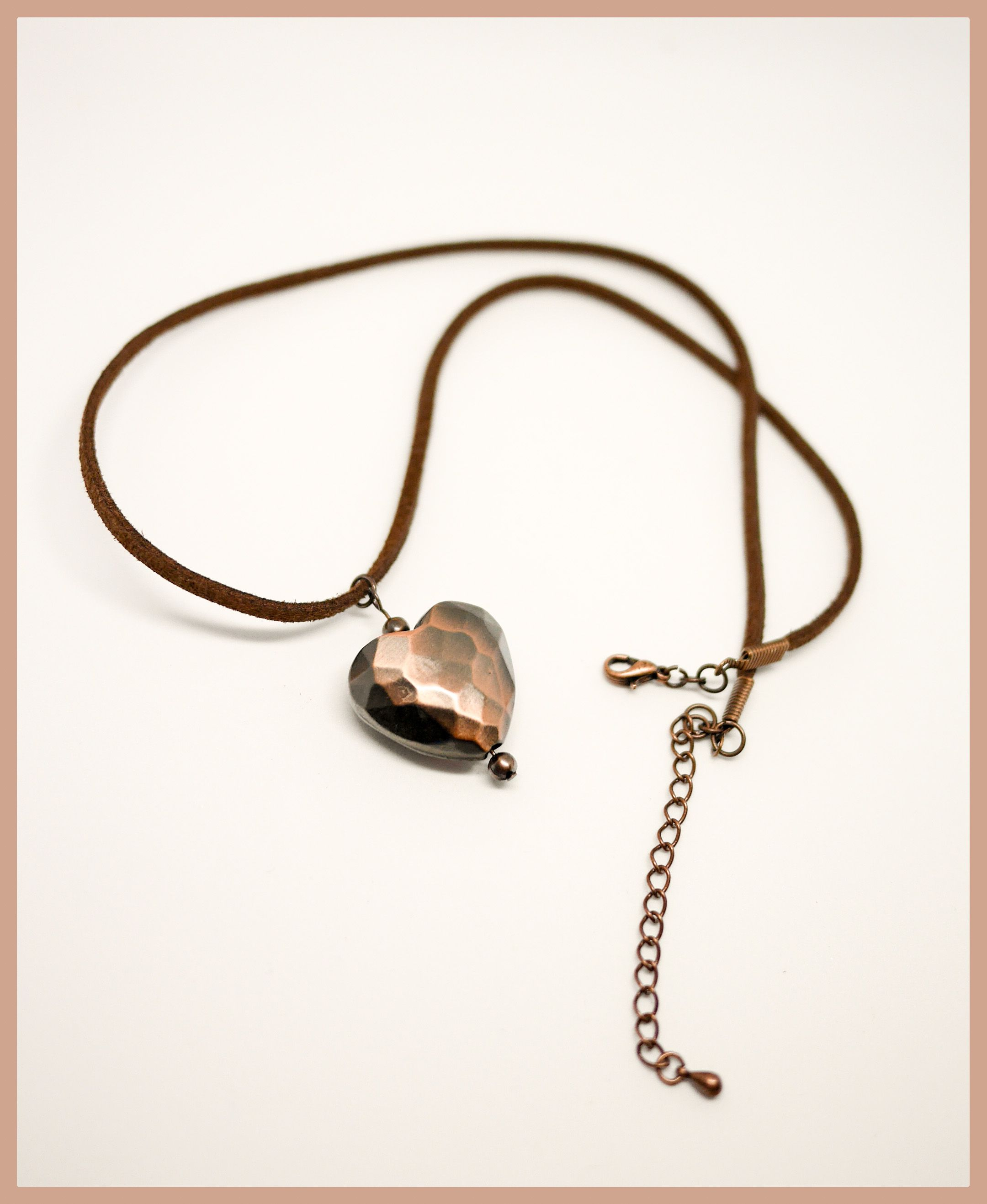 Simple but effective copper coloured necklace in lightweight acrylic