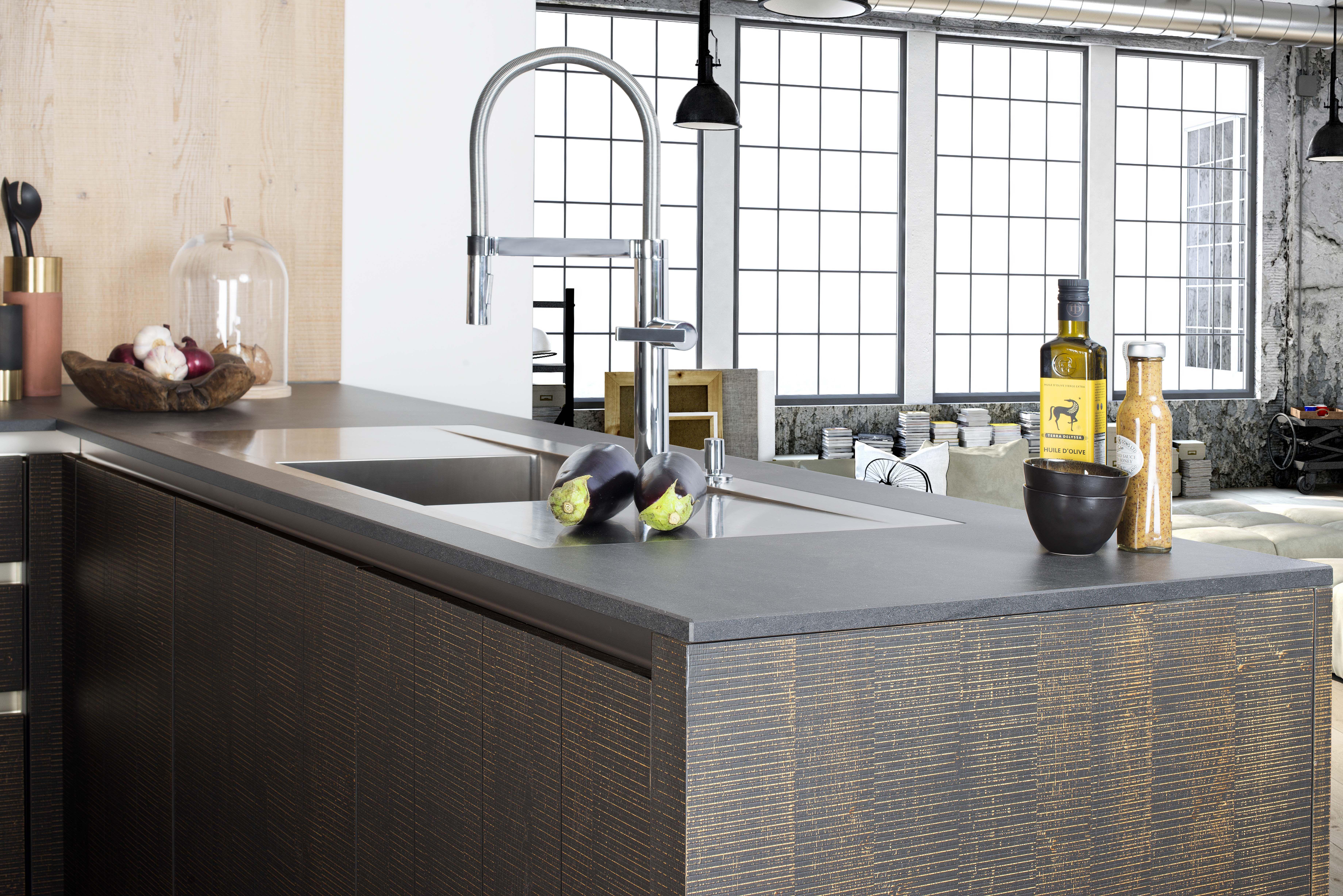 avalon une cuisine en bois brut de sciage le large choix de plans de travail vous permettra. Black Bedroom Furniture Sets. Home Design Ideas