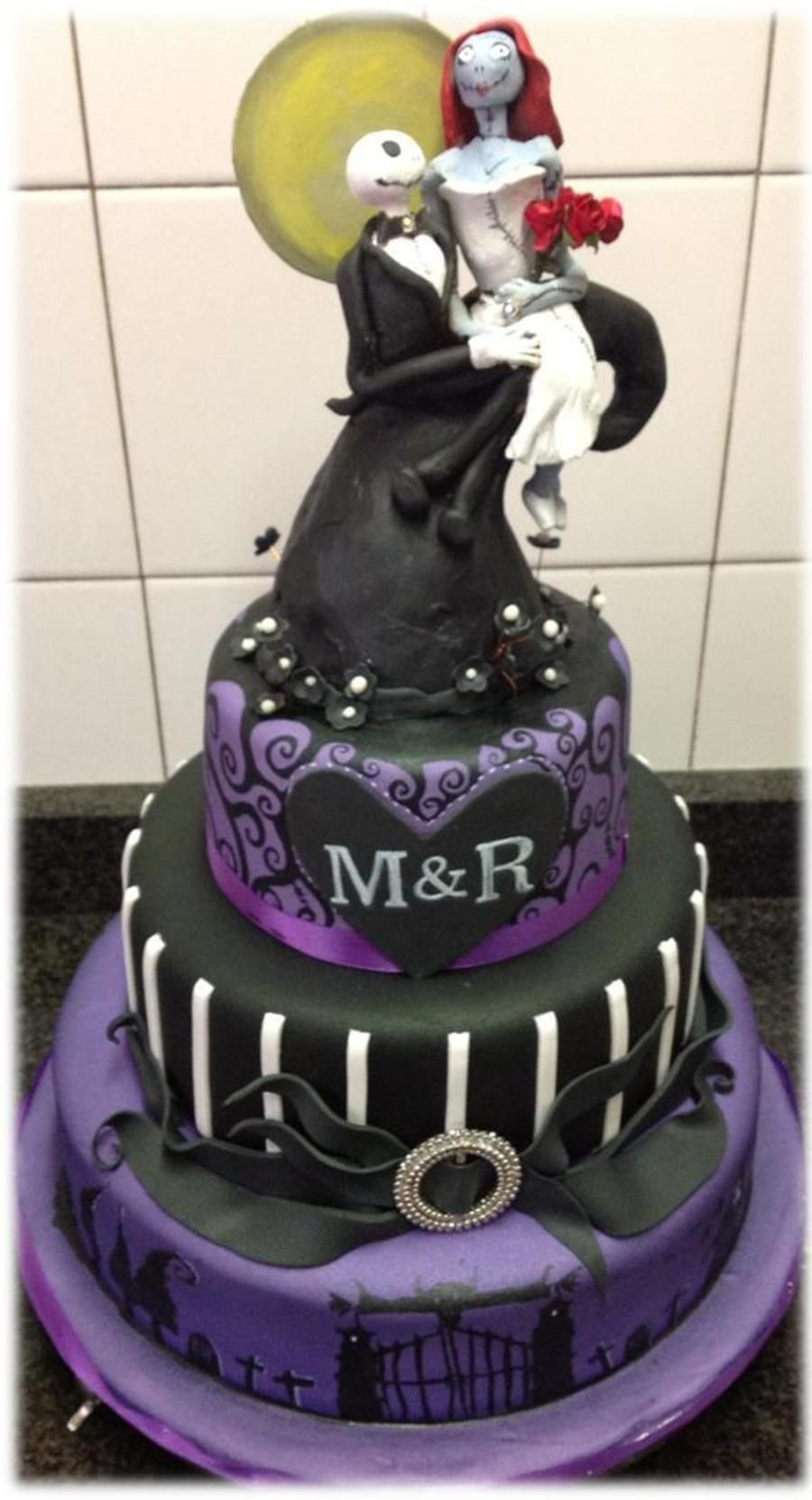This Was A Wedding Cake For A Couple Who Wanted A Nightmare Before ...