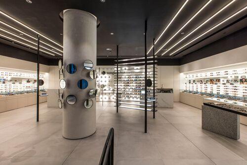 b5f62edc73fb sunglasshut_melb_048_1.jpg Retail Experience, Sunglasses Shop, Sunglass Hut,  Retail Interior, Optometry