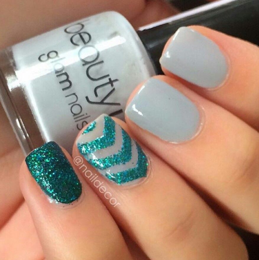 Gellish Grey With Emerald Green Glitter Chevron And Solid Accents