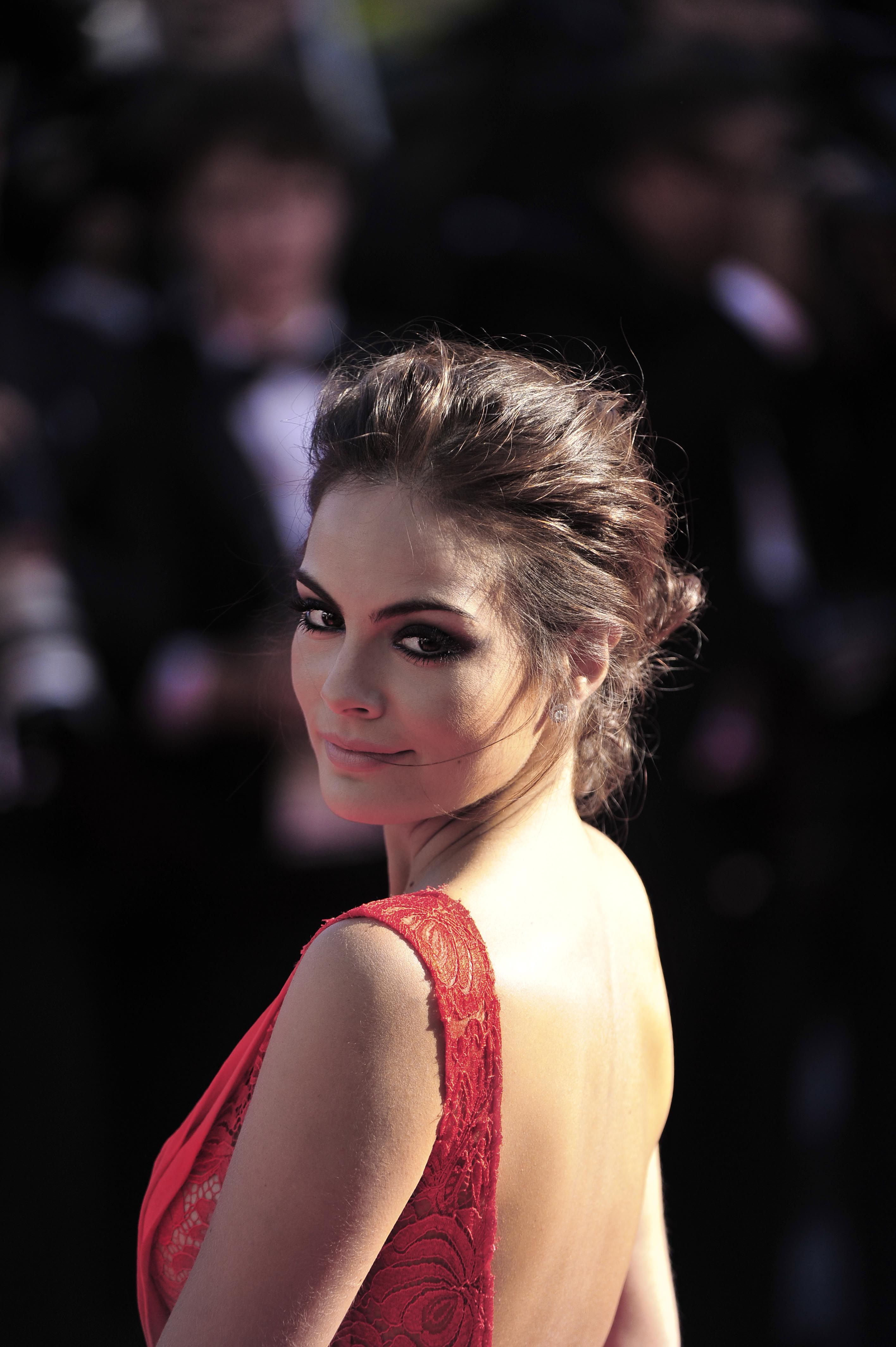 Smokey eyes and a loose updo for ximena navarette on the cannes