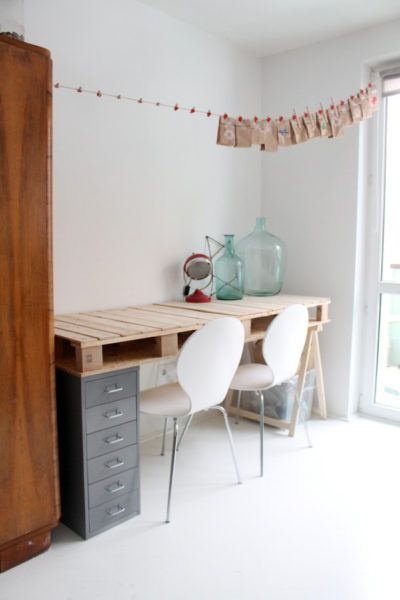office desk europalets endsdiy. 39 Times When Pallets Stole The Show. Metal CabinetsOffice DeskPallet Office Desk Europalets Endsdiy
