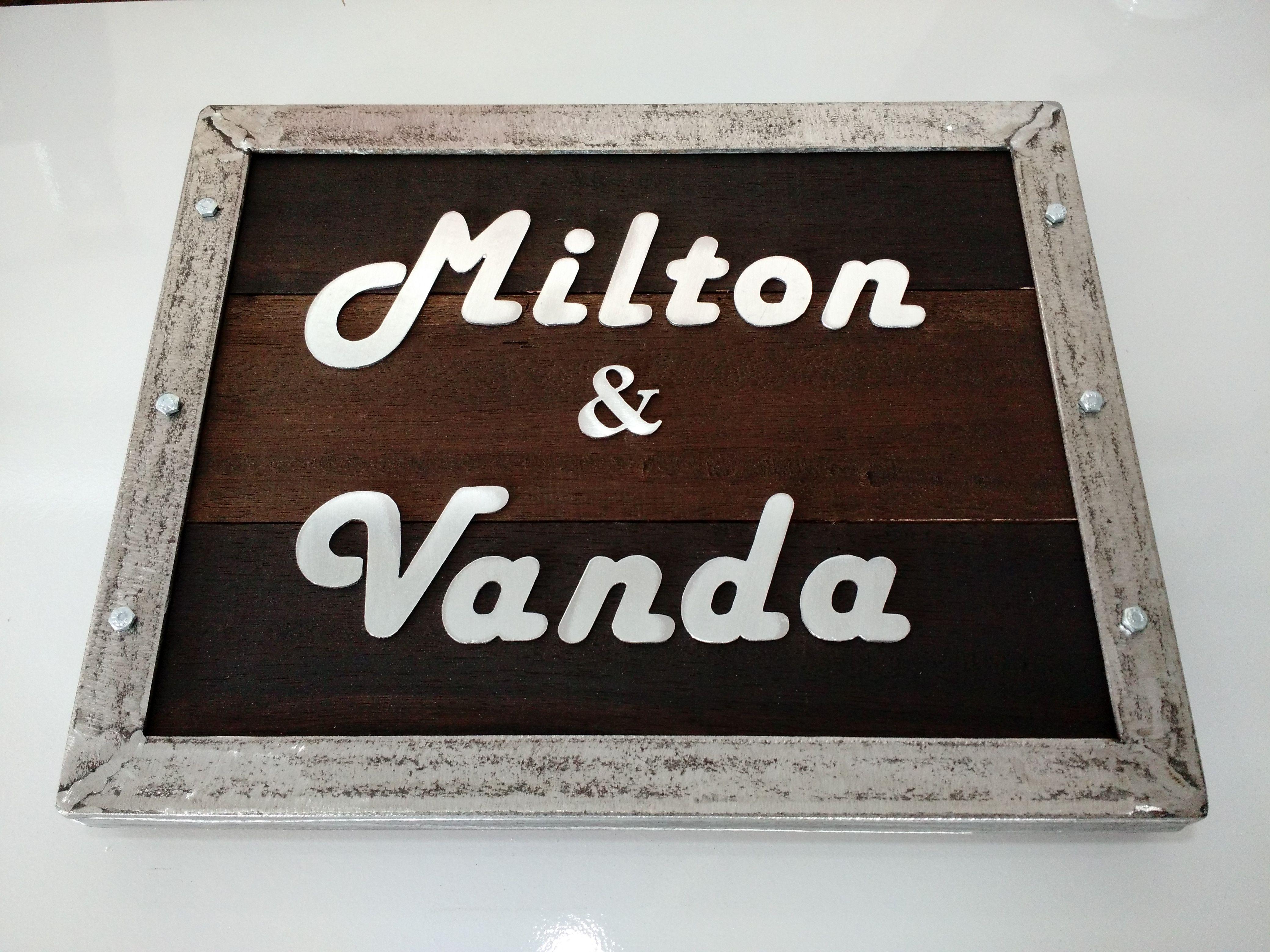 placa rustica personalizada para casamentos e eventos importantes !!