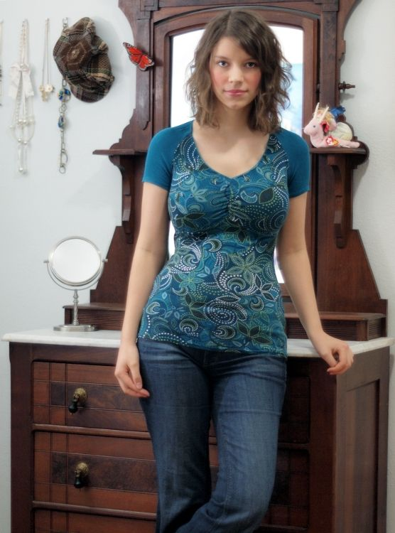clothes to flatter big breasts & tummy on a smaller frame ...