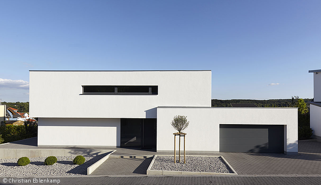 garten bauhaus flachdach hauseingang einfamilienhaus architekten versteckte tren exterieur design bonn frankfurt - Bauhausstil Inneneinrichtung