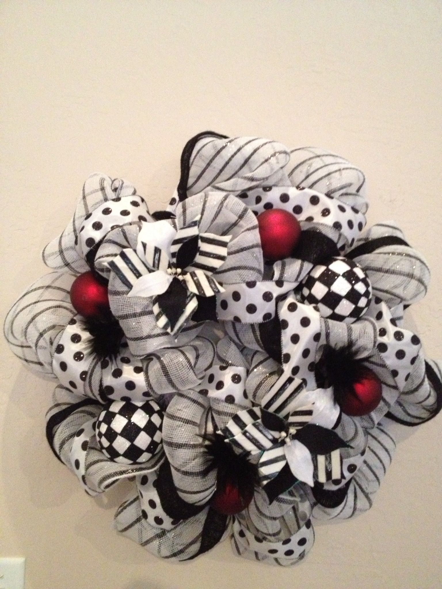 Black And White Wreath Deco Ideas Pinterest White Wreath
