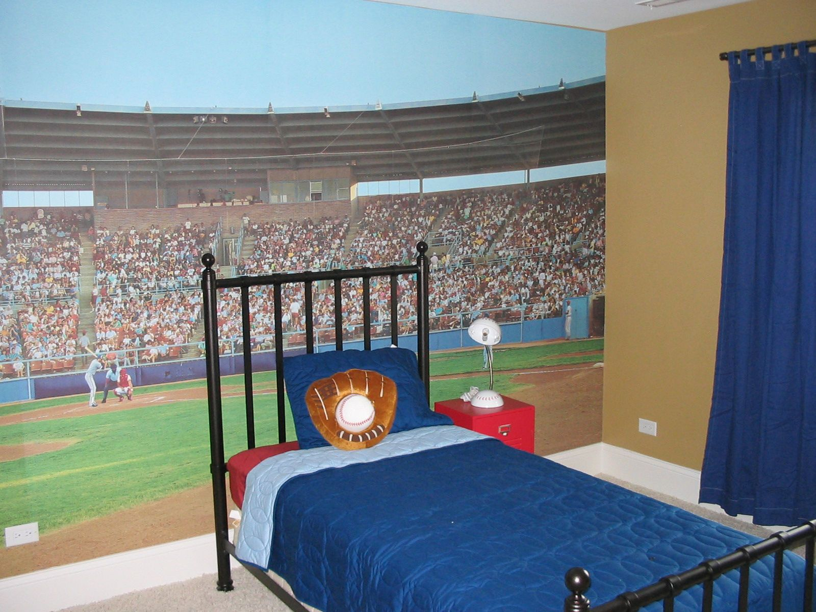 Sporty Bedrooms For Teen Boys Baseball Mural