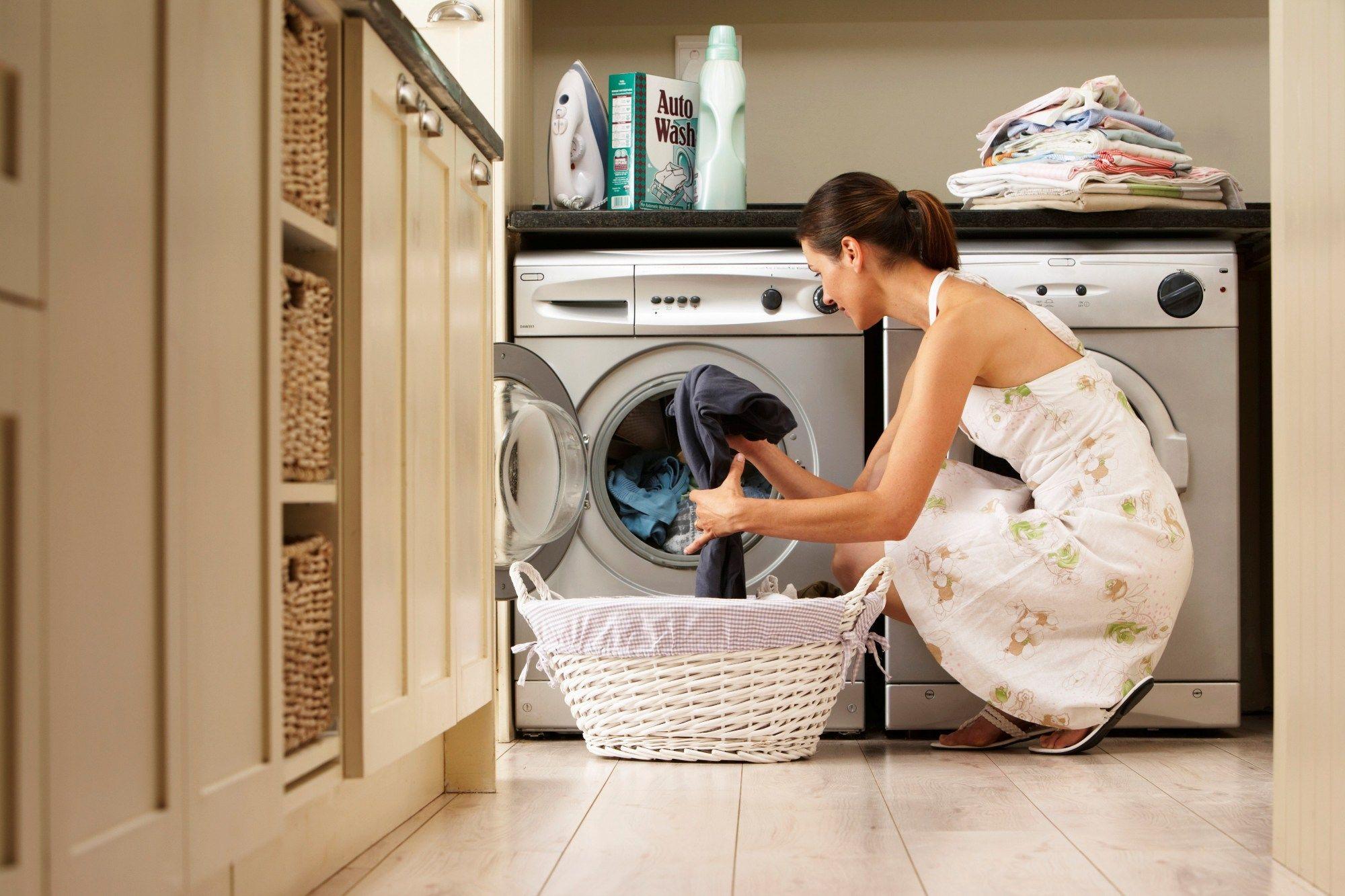 a6154b980 Aprenda a fazer a limpeza correta da máquina de lavar roupas ...