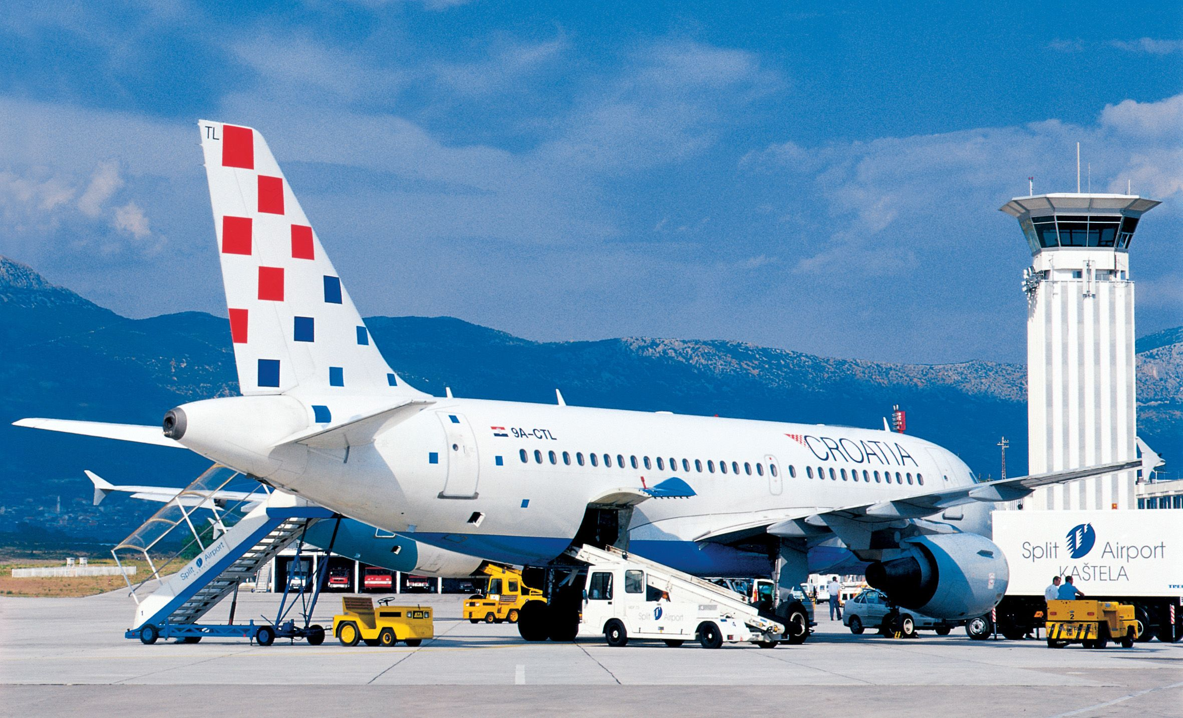 Split Airport Transfers Private Car And Mini Van Transfers From And To The Airport Of Split Croatia Croatia Airlines Self Organization