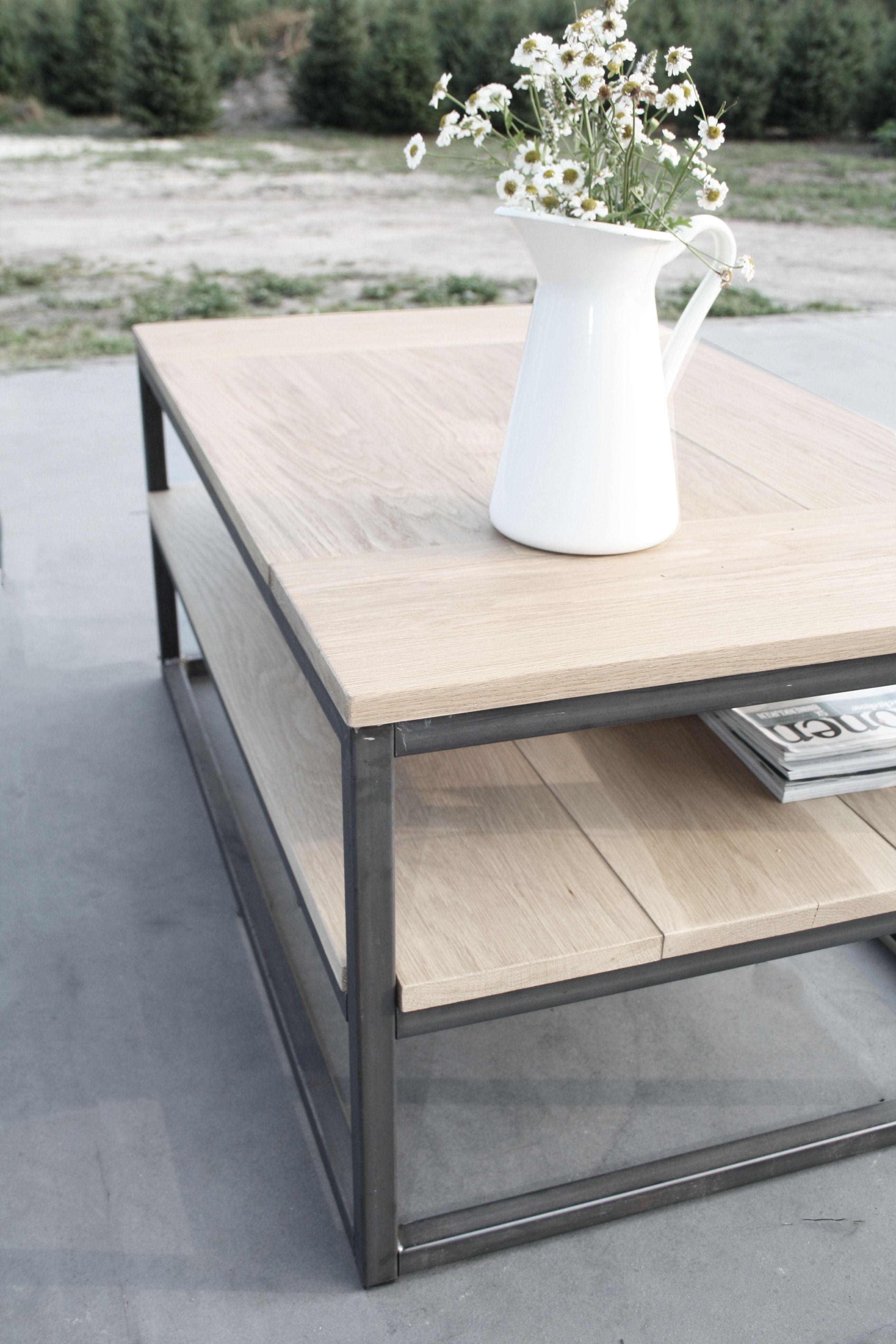 Stoere salontafel met stalen frame en eiken blad op maat for Meubels bestellen met acceptgiro