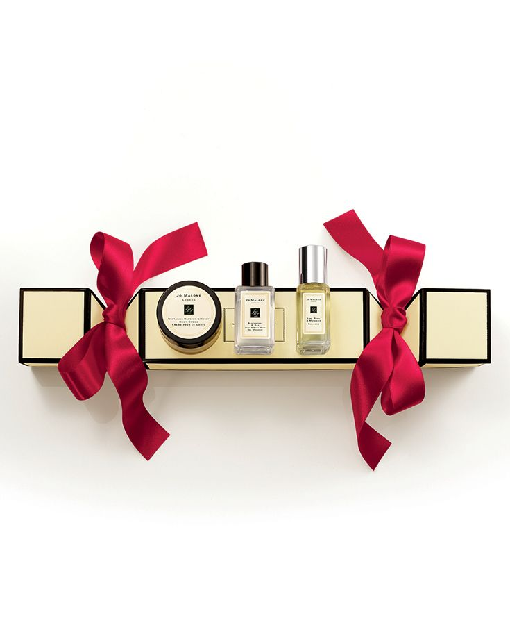 Jo Malone London Christmas Cracker Frostedfantasy Giftgiving Christmas Crackers Holiday Hostess Gifts London Christmas