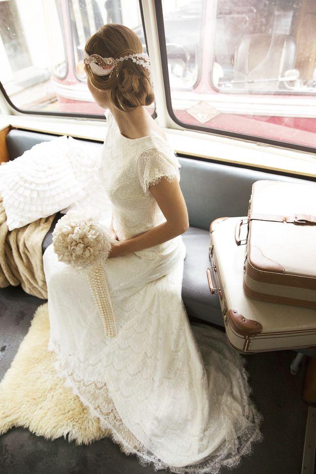1930s wedding on a vintage train | Ammersee, Hochzeiten und Brautkleider