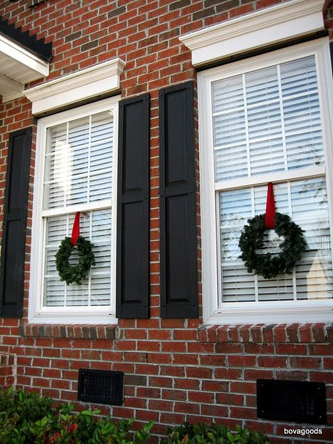 Bovagoods Christmas Goods How I Hang My Window Wreaths Christmas Decorations Wreaths Hanging Christmas Lights Window Wreath