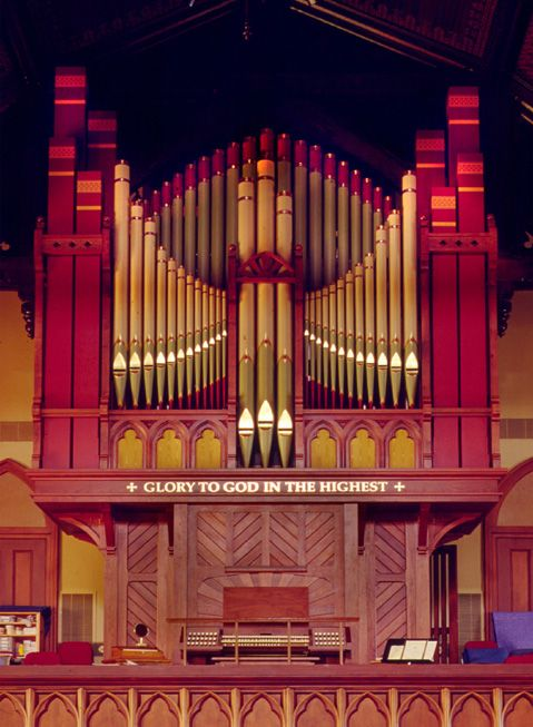 Although the red paint takes me aback, the paint on the pipes, making for a very decorative design, is nice - Fisk, Christ Church, Macon GA, 2000