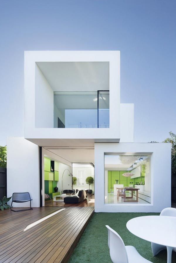 Clairement architecturale, cette maison à toute sa place dans un