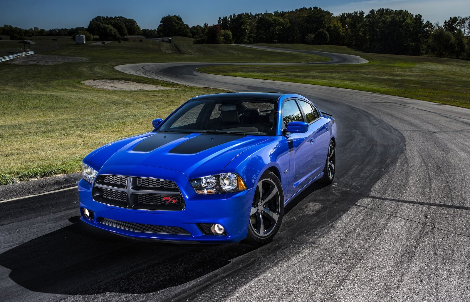 Dodge charger daytona 2013 limited to packs hemi and stripes