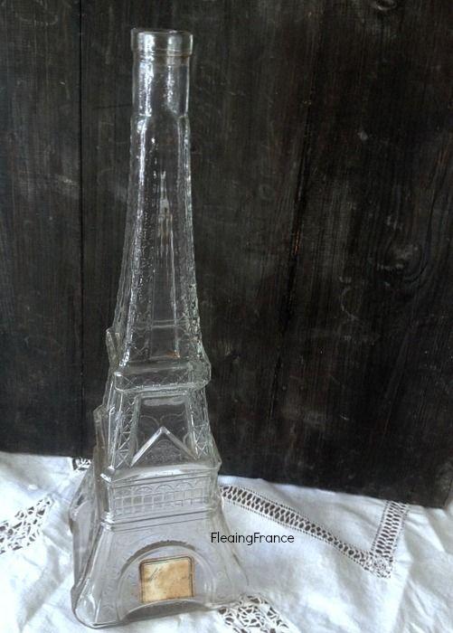 FleaingFrance.....Vintage Eiffel Tower Bottle w/Label