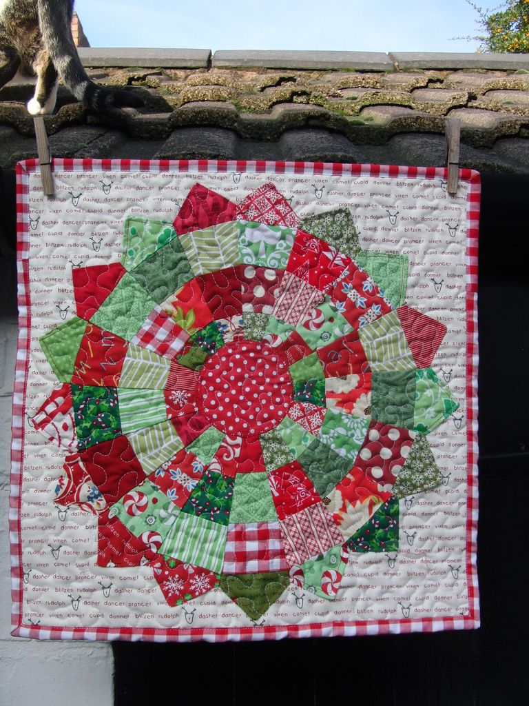 Pinterest Christmas Quilted Wall Hangings Mini Quilt Front Table Topper Wall Hangings Pinterest