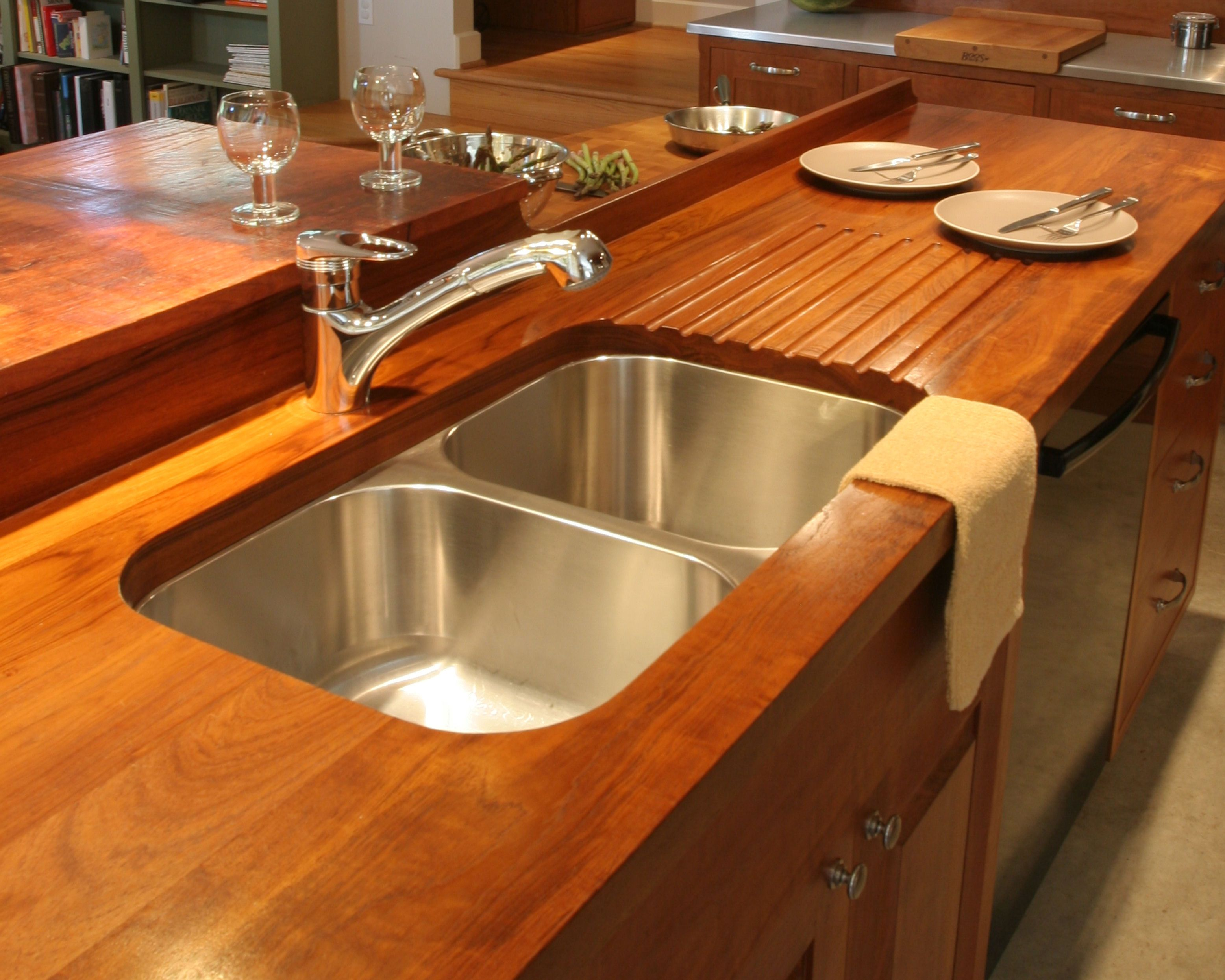 Custom Solid Wood Face Grain Teak Counter Top With Integrated Sloping Drain Board And Under Mount Sink Kuchenarbeitsplatte Arbeitsplatte Kuchenumbau