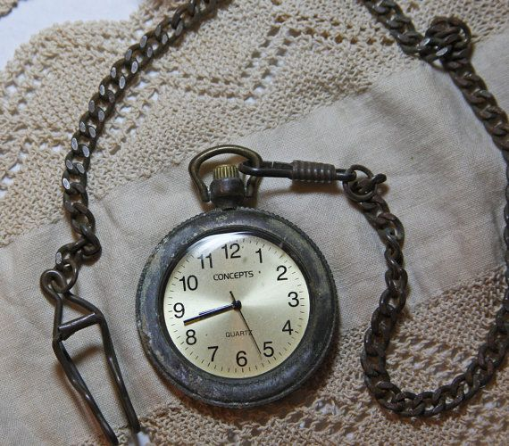 Concepts Quartz Pocket Watch In Leather Carry Case Grungy Worn