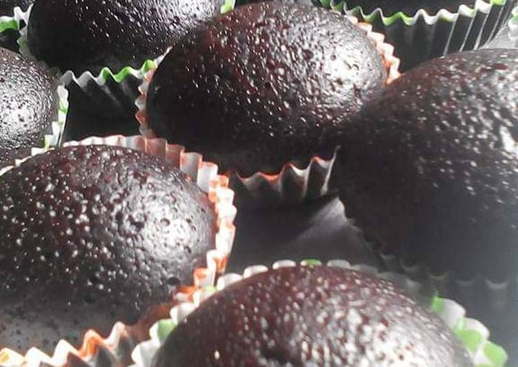 Photo of Delicious moist chocolate cup cake recipe by Ang Hi Peh – New Cake Ideas