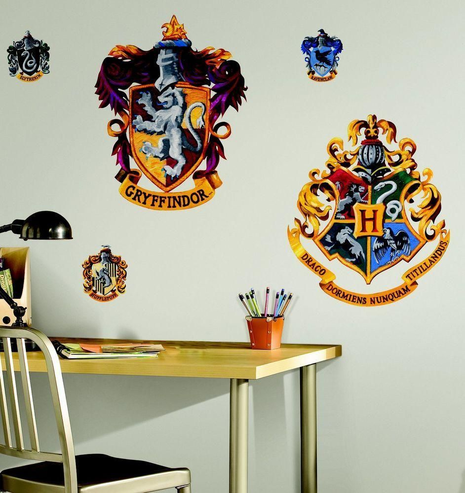 RoomMates Harry Potter Crests - peel and stick wall decor