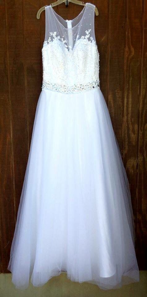 Available For Rent At Bling It On Dress Rentals In Riverton Utah Text Us At 8018084656 Or 8019797467 Www Blingitondre Wedding Dresses Dazzling Dress Dresses