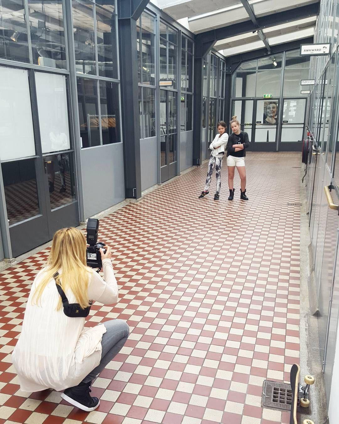"""""""De Vertrekhal is ook een super toffe locatie voor fotoshoots! Vandaag ontvangen wij stoere kids voor @kidsbrandrep  en @kidz_boutique_naaldwijk…"""""""