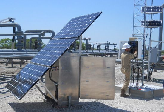 Get Quiet Backup Power With Solar Battery Storage Residentialsolar Commercialsolar Bigstarbuilders In 2020 Solar Battery Residential Solar Solar