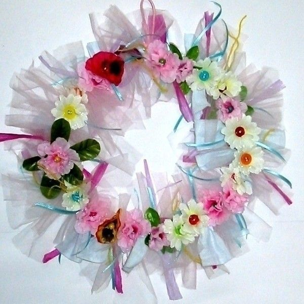 Spring Wreath  •  Free tutorial with pictures on how to make a floral wreath in under 30 minutes