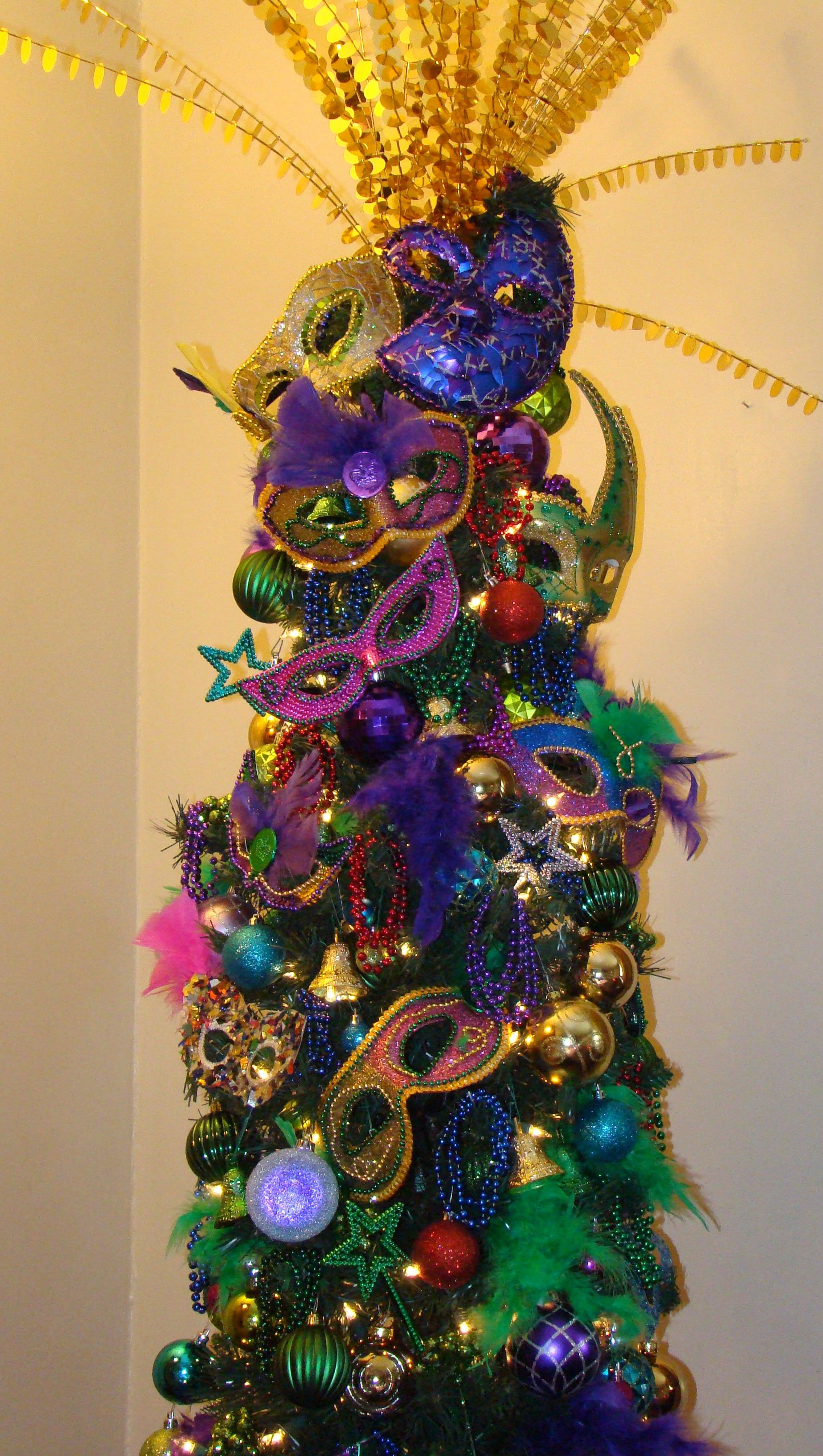My Christmas Tree Mardi Gra Inspired Made The Masks From Dollar Store Finds Mardi Gras Party Decorations Mardi Gras Crafts Mardi Gras Decorations