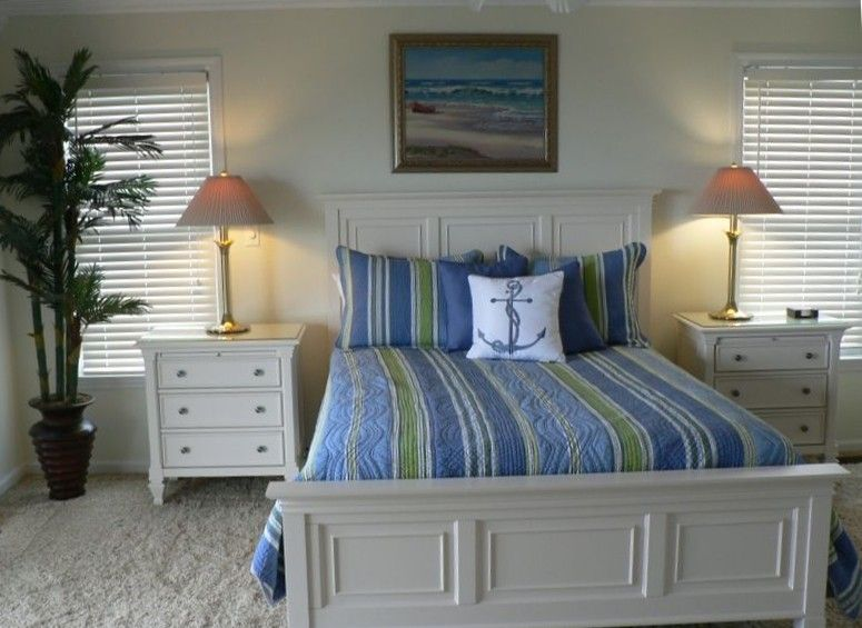 Best Large Master Bedroom With Attached Bath Has A Tv And 640 x 480
