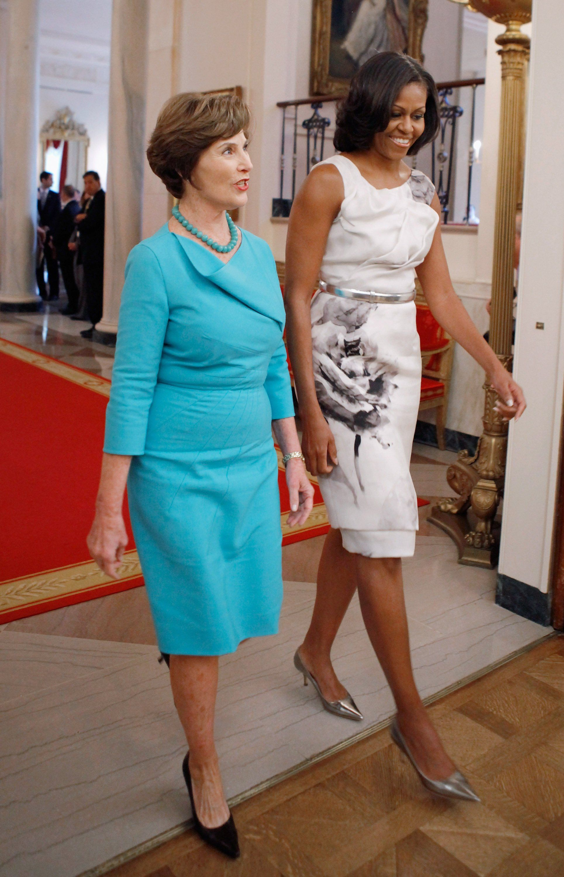 Michelle Obama S Latest Look Is Much More Than Just A Pretty Dress Michelle Obama Fashion Prabal Gurung Dress Michelle Obama [ 3000 x 1929 Pixel ]