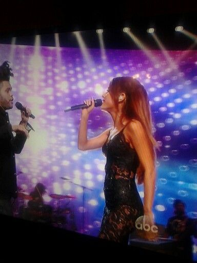 Watching the AMA'S and practically had front row seats to my babe Ariana Grande for good pics ♡♡