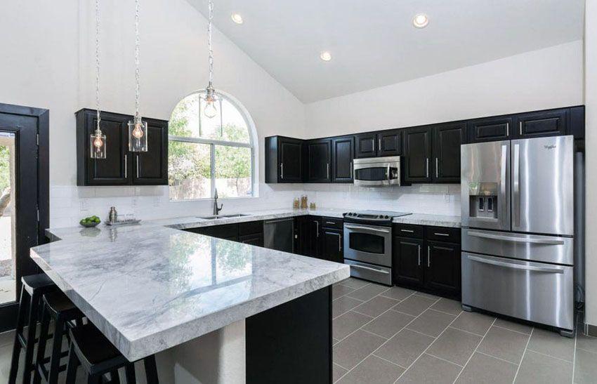 Best 27 Gorgeous Kitchen Peninsula Ideas Pictures Calacatta 640 x 480