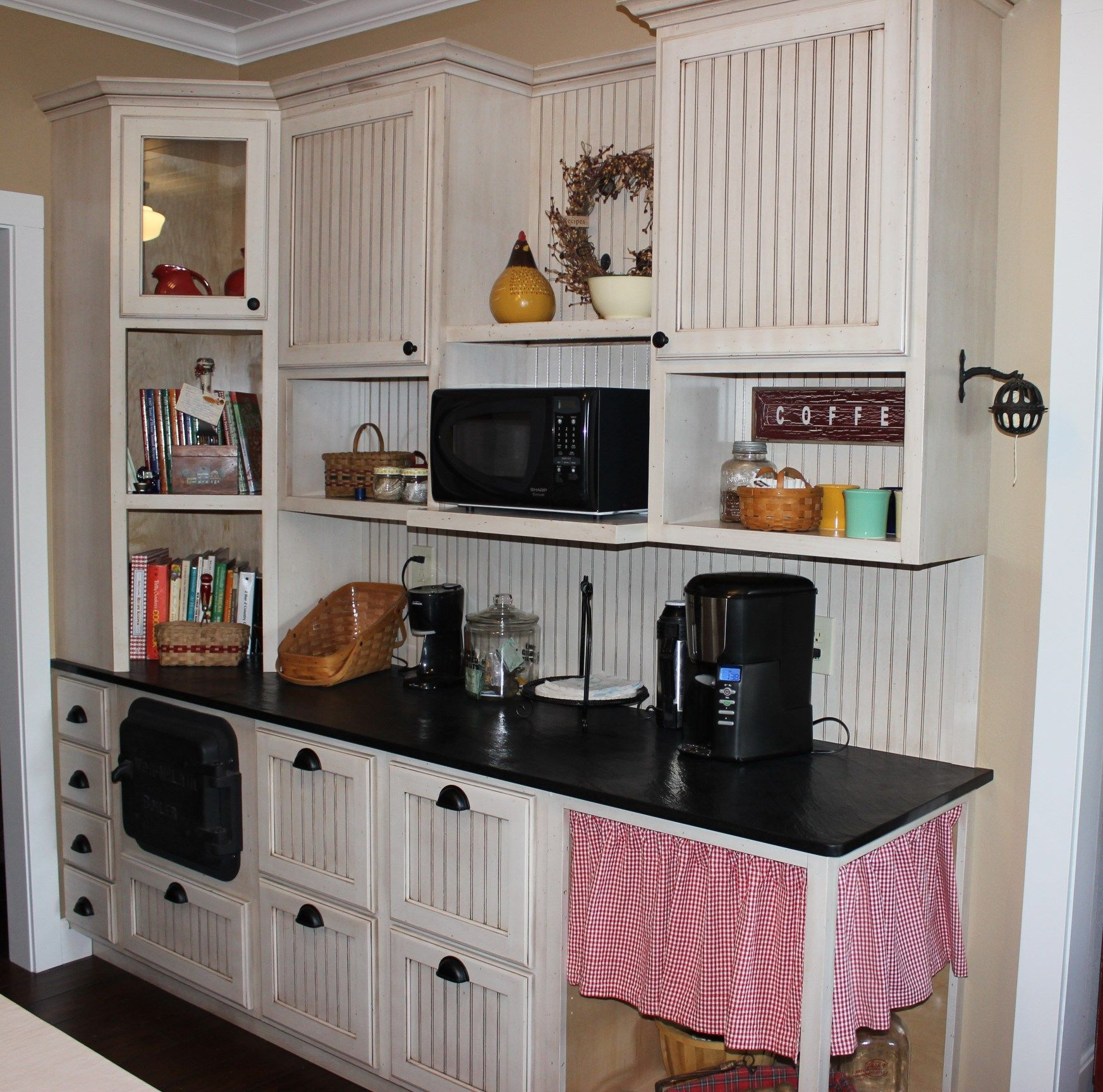 Custom Kitchen Cabinet Makers: Custom Bead Board Kitchen With Angled Corner Cabinet With