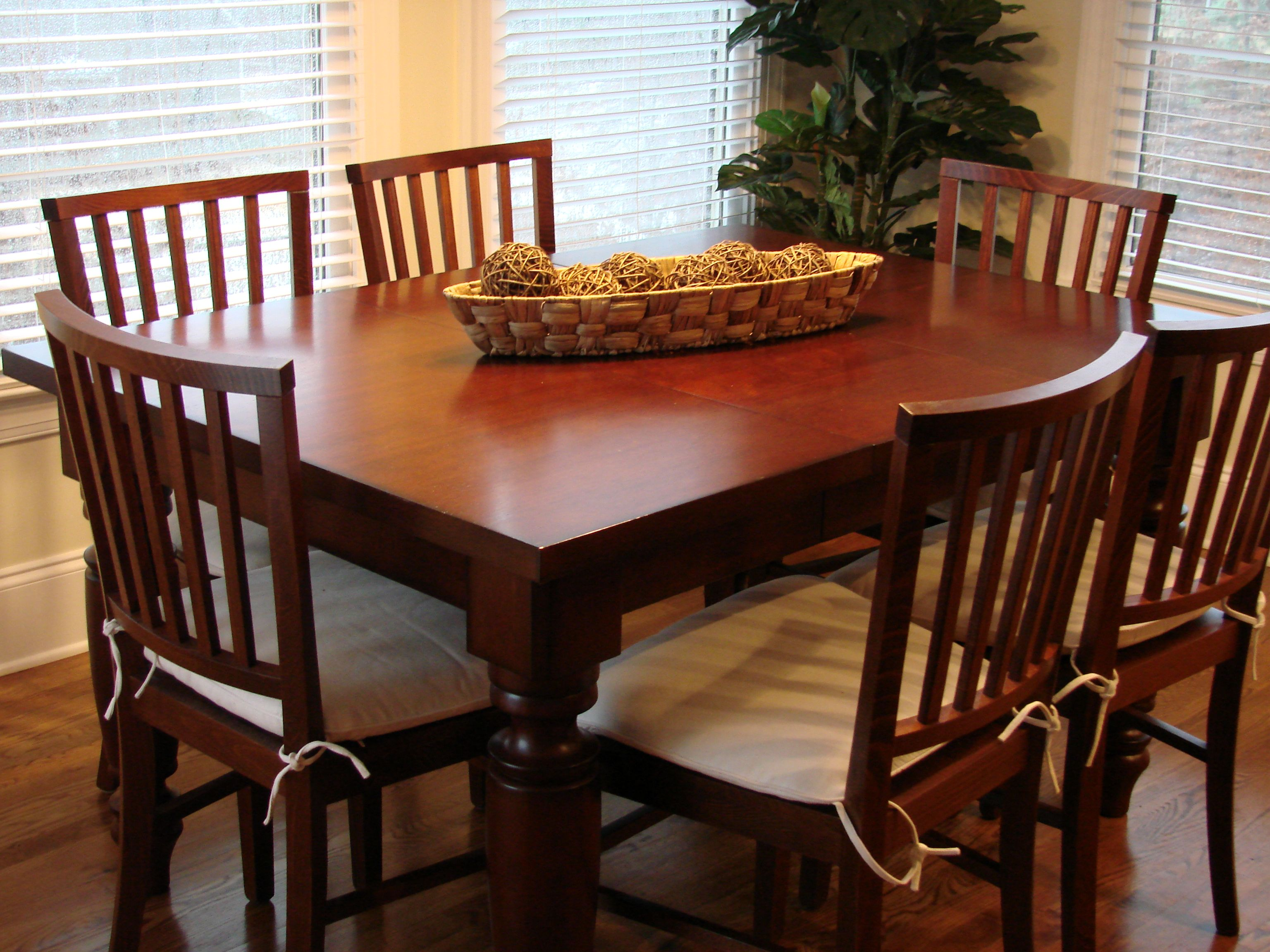 pottery barn amherst table 40