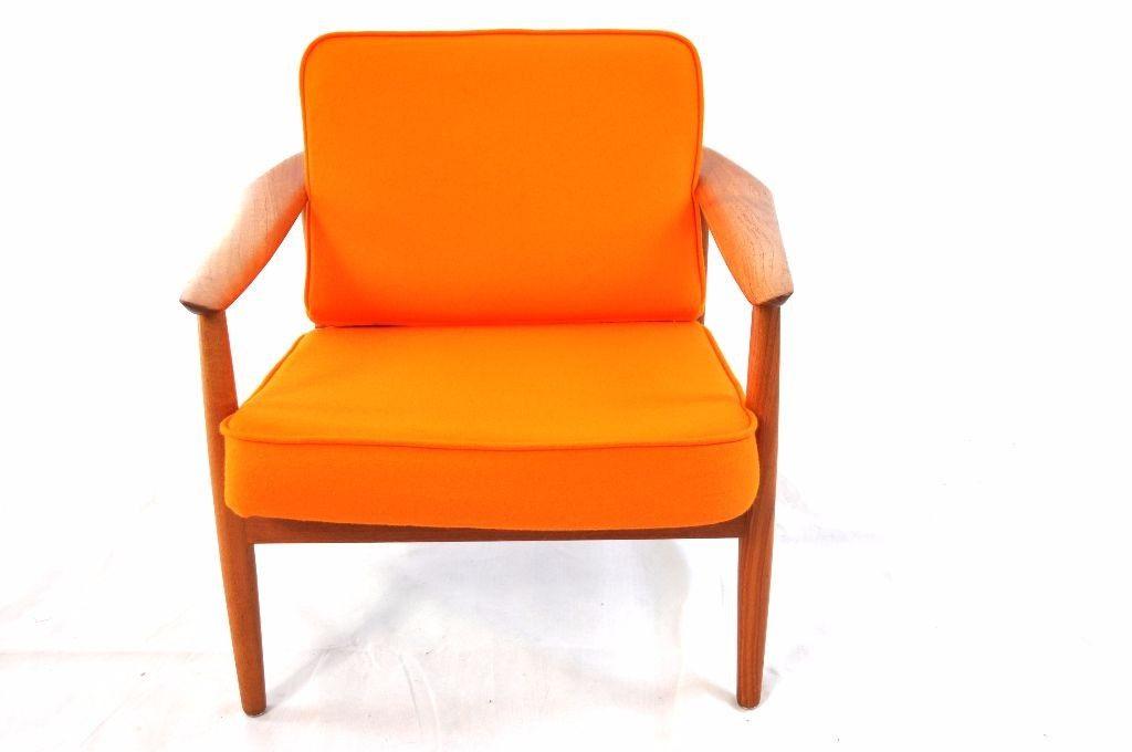 Easy Chair Von Arne Vodder für France and Son Material Rahmen: Teak Material Polster: Schaumstoff Bezug: 100 % Baumwolle Farbe: Orange Filz Polster: Schwarz und Weiss Entwurf: Arne Vodder Ära: Midcentury Zustand: Sehr gut Artikelnr.: SE0009-1  Produkt an Lager Preis: 1.390,00 €  - See more at: http://www.hyggelig-berlin.de/products-page/living/easy-chair-vonfrance-and-son/#sthash.ngNSvxNG.dpuf