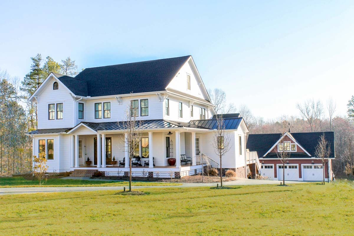 Plan 500020VV: Modern Farmhouse with Matching Detached Garage ... on