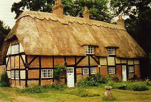 Quaint English cottage | Lilliput live | Cottage homes ... Quaint English Cottages