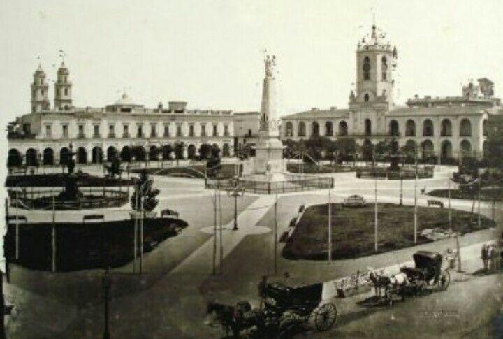 1881- iglesia San Ignacio,Piramide de Mayo y Cabildo.